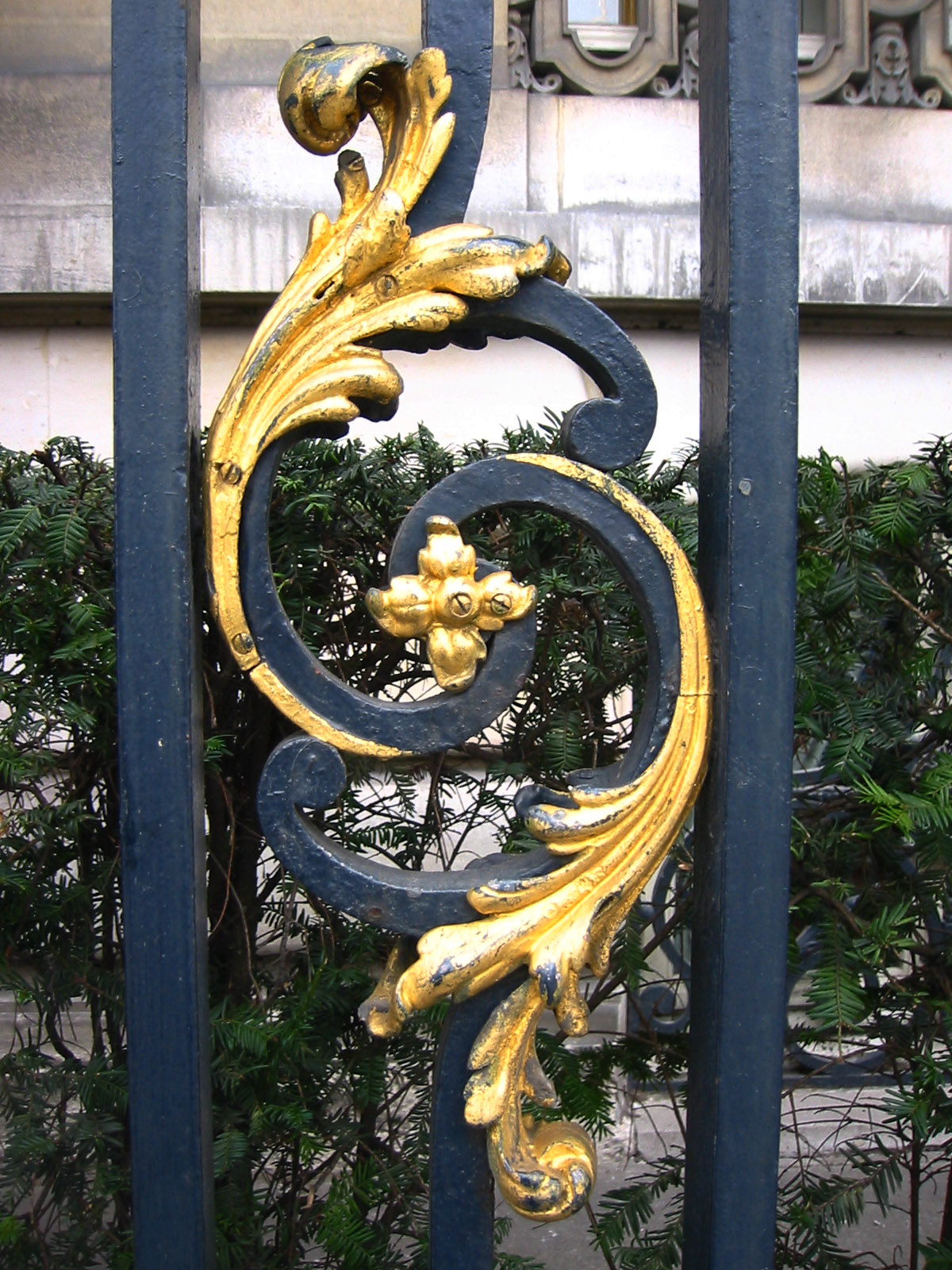 paris street detail