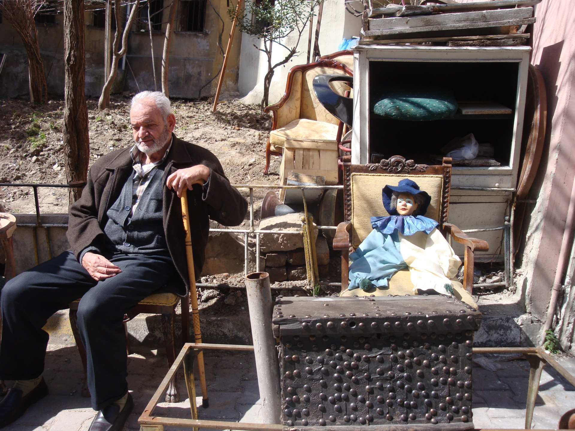 old man and old furnitures