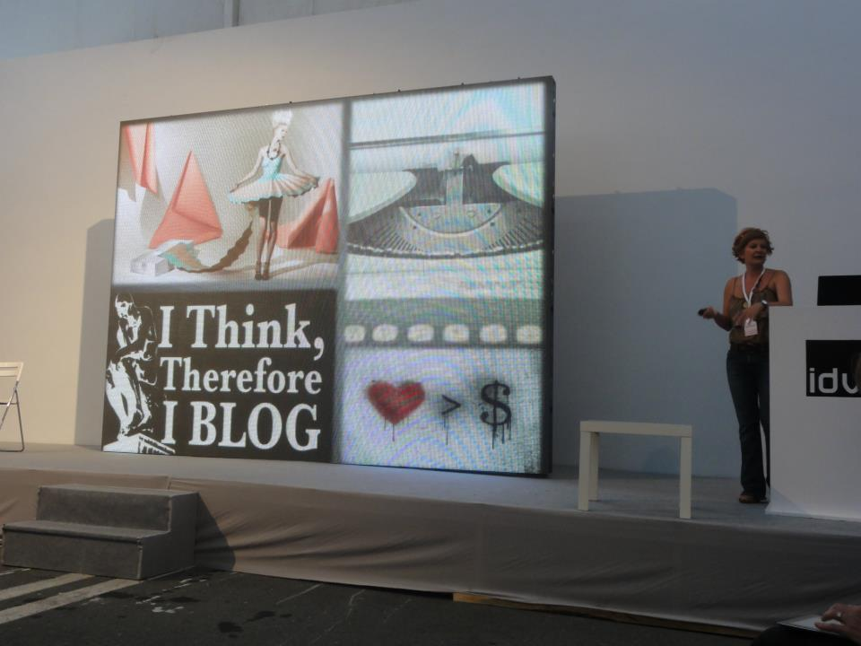 designmixer' s presentation at design Bloggers Meeting