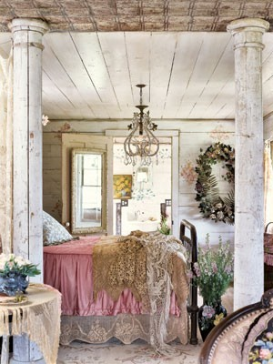 romantic cottage in shabby chic style