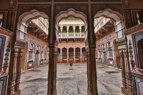 Haveli house -a wealthy merchant's home from the 17th century, Mandawa, Rajasthan, India